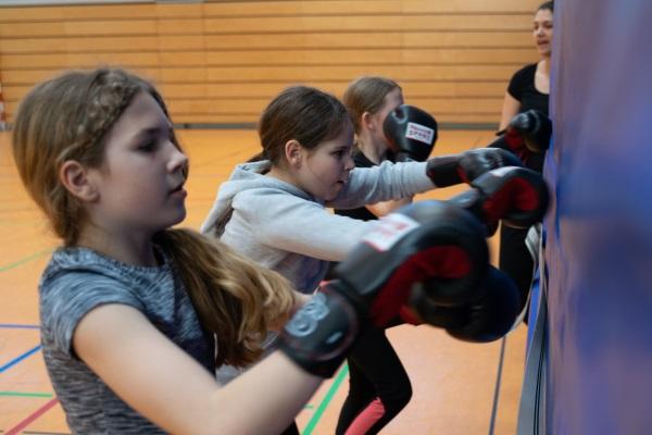 AG Fitnessboxen des BSV Euskirchen an der Marienschule